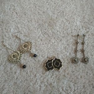 Set of 3 pairs of black and gold earrings